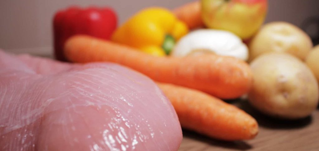 Putenfleisch, Paprika, Karotten, Kartoffeln, Fenchel, Apfel