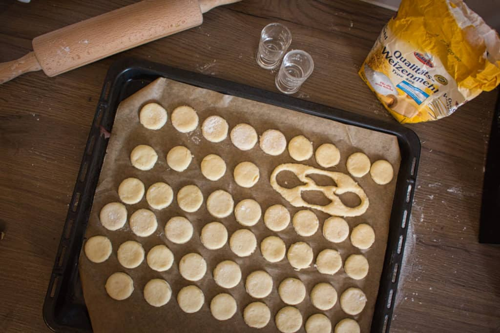 Alle Käsetaler auf's Blech und ab in den Ofen