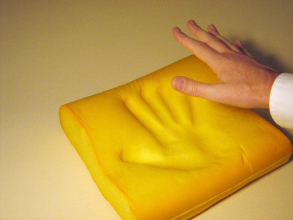 Viskoelastischer Schaumstoff - Memory Foam [1]